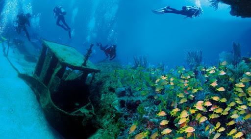 Playa-Larga-Boat-Ruins